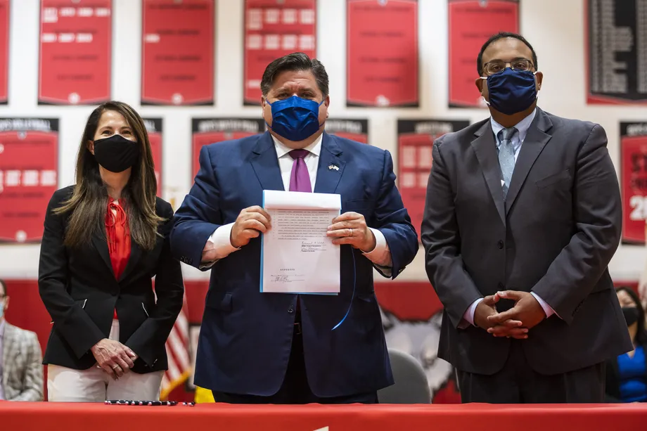 Pritzker signs law making Illinois 'first state in the nation' to require public schools to teach Asian American history